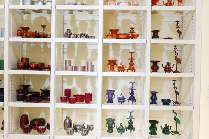 熊木(草津)ラ・プリエ銅器仏具の展示