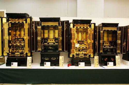 お仏壇の仏心社の写真